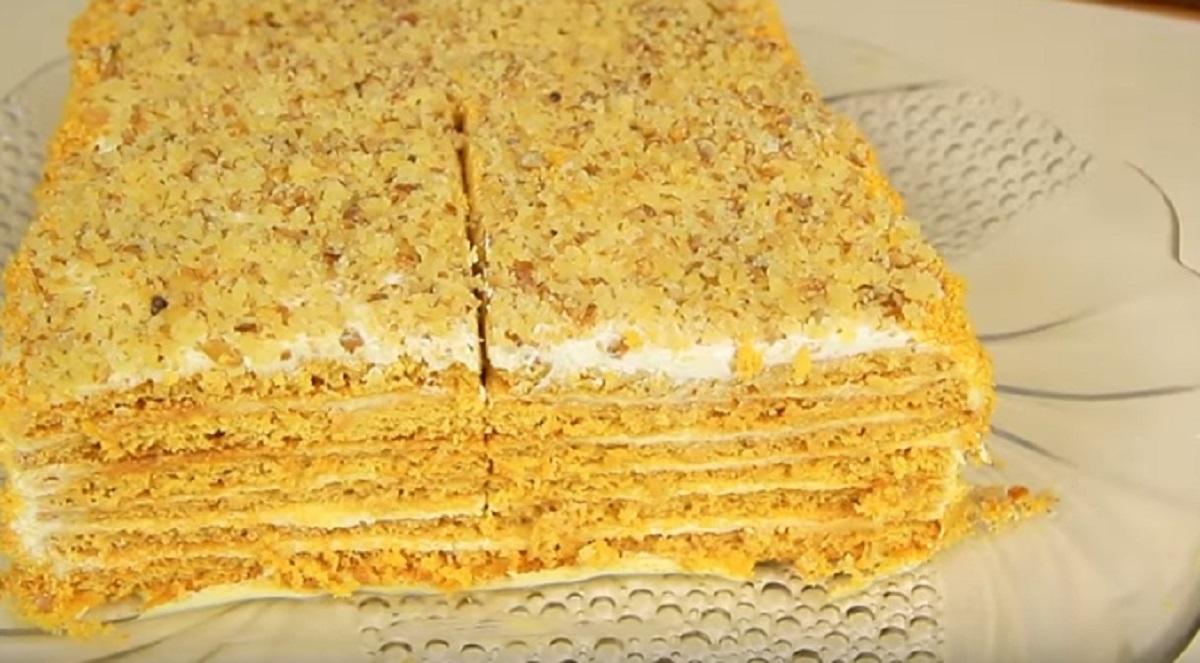 Rețeta Tort cu miere și nuci   Torturi   Rețete comentate