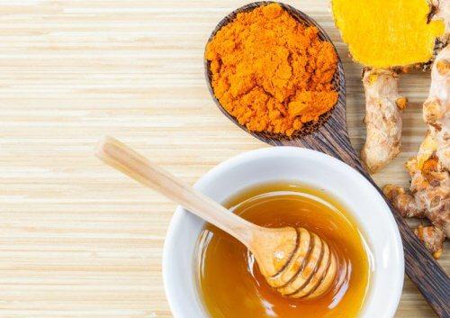 Ceapă cu miere pentru dureri articulare. Leacuri naturiste pentru articulaţii dureroase