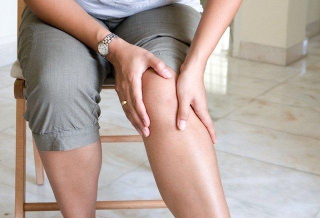 durerea articulației degetului arătător pe braț inflamația ligamentelor tuturor articulațiilor