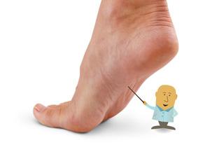 Chirurgia minim-invazivă a antepiciorului, Dureri de gleznă cu picioarele plate