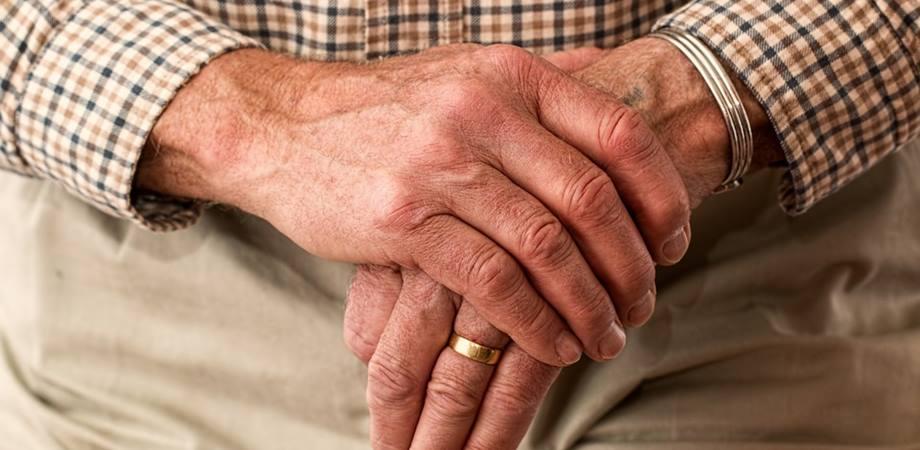 care este diferența dintre artrita și artroza articulațiilor simptome de artrită și tratamente pentru artroză