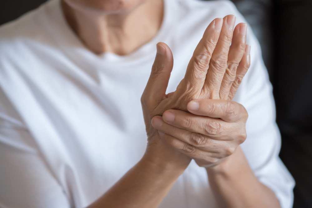 inflamația articulației pe mână