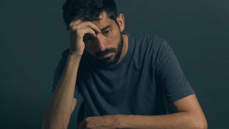 dureri de cot după un accident vascular cerebral