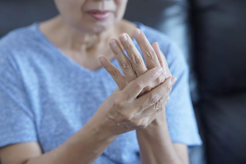 simptomele artritei infecțioase ale mâinilor degetul a zburat din articulație cum să trateze