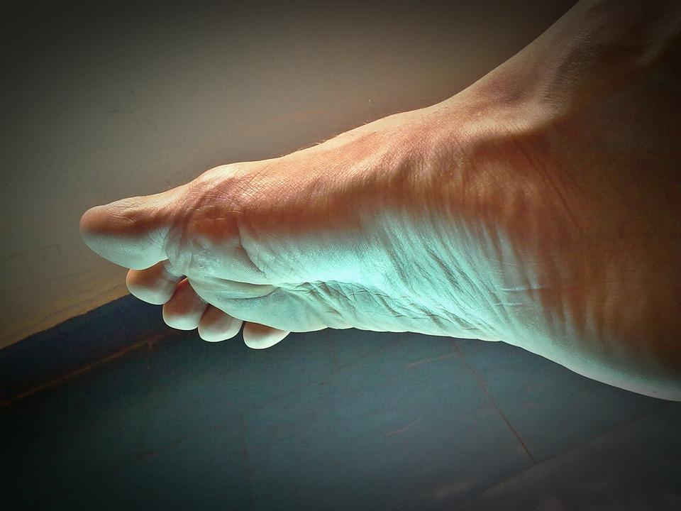 Genunchi umflat: Umflarea piciorului și piciorului după înlocuirea genunchiului,
